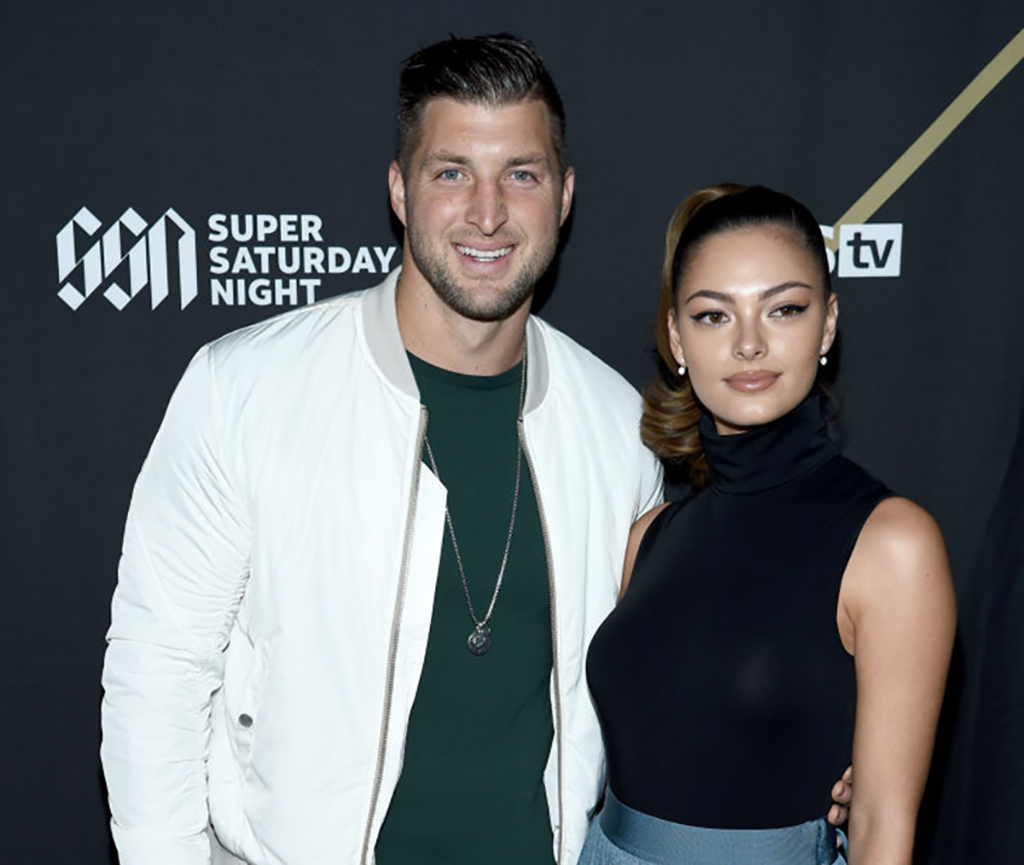 tim-tebow-demi-nel-peters-1093233974